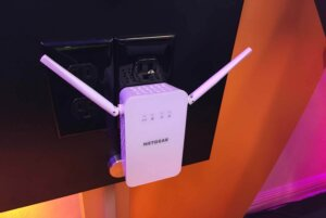 range extender to boost Wi-Fi speed